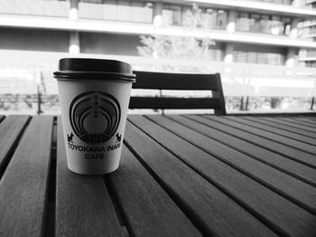 カフェ 白黒.JPG